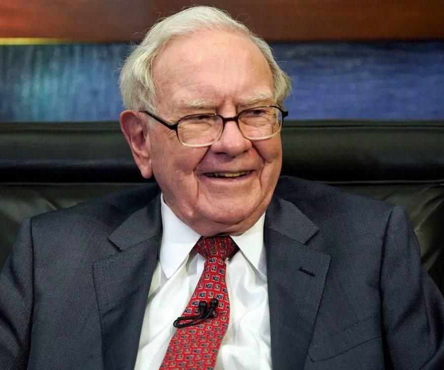 Warren Buffett Biography - Childhood, Life Achievements ...