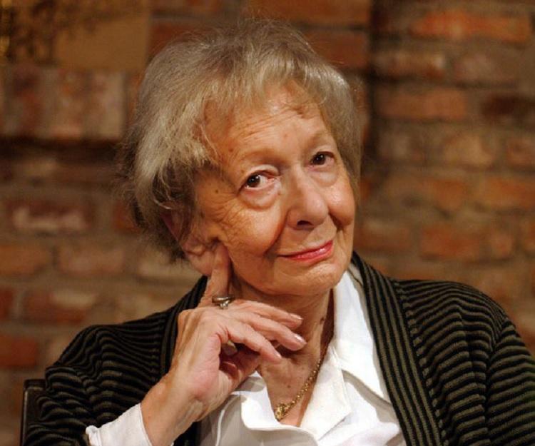 wisława szymborska biography childhood life achievements timeline