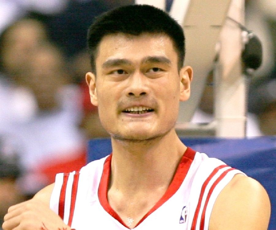 Yao Ming Biography - Facts, Childhood, Family Life ...