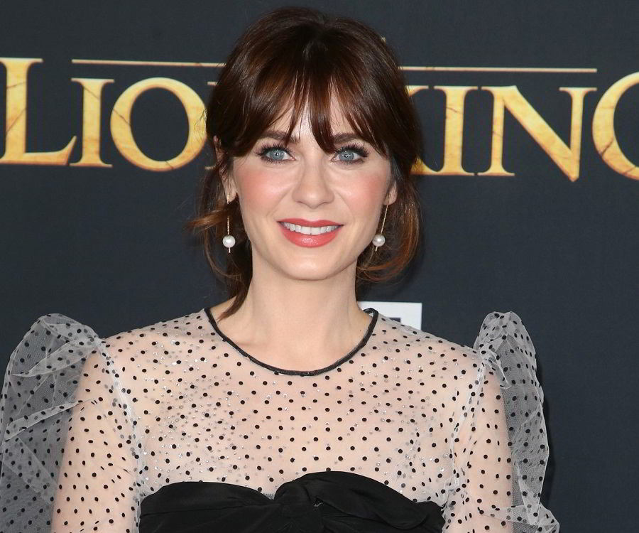 Zooey Deschanel Biography - Childhood, Life Achievements & Timeline