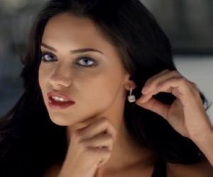 4539e933b0 Snap Adriana Lima Biography Facts