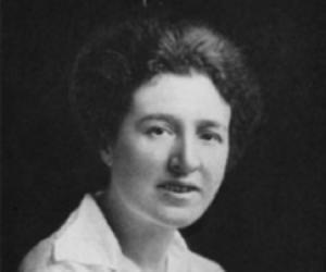 Agnes Arber<