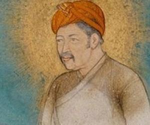Akbar<