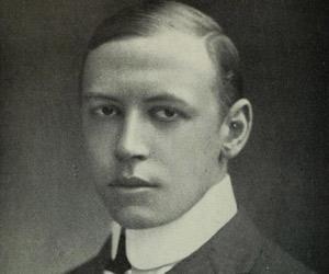 Alfred Noyes<