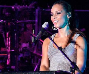 Alicia Keys biography online