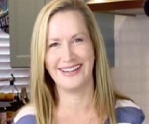 Angela Kinsey<