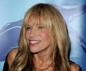 Carly Simon<
