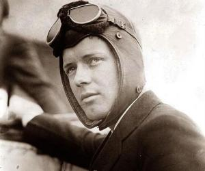 a biography of charles lindbergh a famous american aviator After the war, he continued as technical advisor to pan american airlines won  the pulitzer prize in 1953 for his autobiographical history the spirit of st louis.