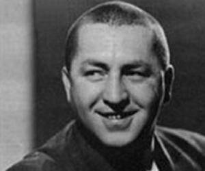 Curly Howard<
