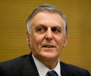 Dan Shechtman biography online