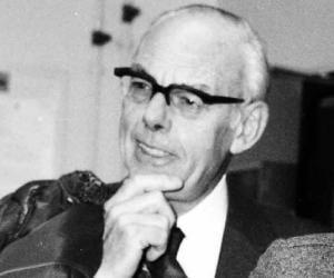 Denis Thatcher<