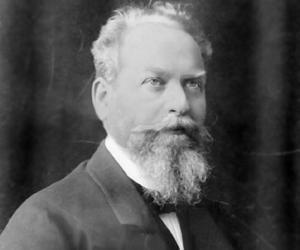 Edmund Husserl<