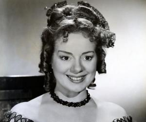 Elsa Lanchester<