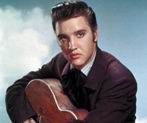 Elvis Presley<