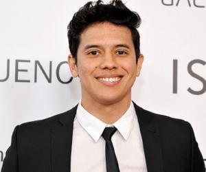 Eric Ochoa<
