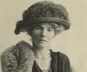 Gertrude Bell<