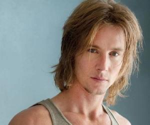 Greg Cipes<