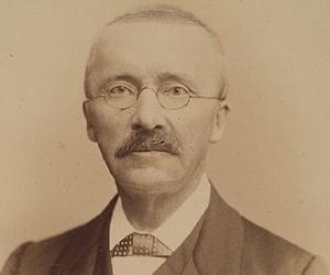 Heinrich Schlie...<