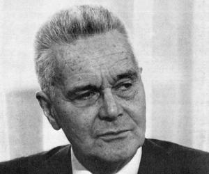 Jan Tinbergen<
