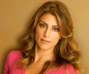 Jennifer Esposito<