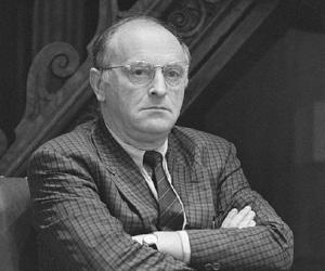brodsky less than one essay Joseph brodsky, 1940-1996 description of the papers arrangement collection  contents  less than one: selected essays (farrar, straus & giroux, 1986.