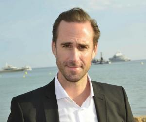 Joseph Fiennes<