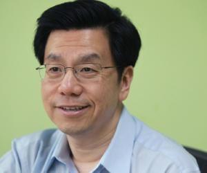 Kai-Fu Lee<