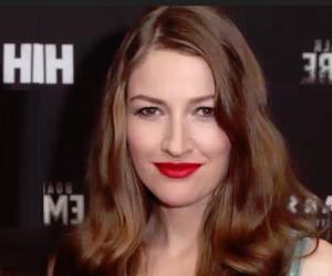 Kelly Macdonald<