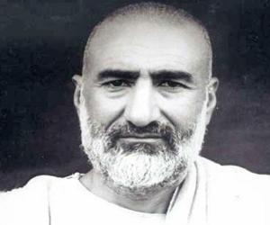 Khan Abdul Ghaf...<