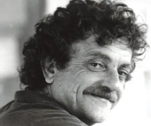 a biography of kurt vonnegut jr an american writer Kurt vonnegut, jr (november 11, 1922 – april 11, 2007) was a 20th century american writer his works such as cat's cradle (1963), slaughterhouse-five (1969), and breakfast of champions (1973) blend satire, gallows humor, and science fiction.