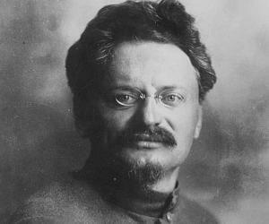 Leon Trotsky<