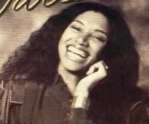 Linda Womack<