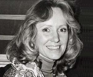 Lola Van Wagenen<
