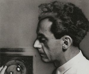 a biography of emmanuel radnitzky in philadelphia Man ray, born emmanuel radnitzky on 27 august 1890 in philadelphia, died on 18 november 1976 in paris, was perhaps one of the most influential artists of the 20th century.