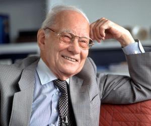 Manfred Eigen<