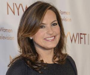 The 53-year old daughter of father Mickey Hargitay and mother Jayne Mansfield, 172 cm tall Mariska Hargitay in 2018 photo
