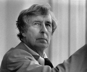Michael Tippett biography online