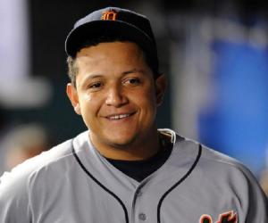 Miguel Cabrera Biography - Facts, Childhood, Family Life ... Miguel Cabrera Father