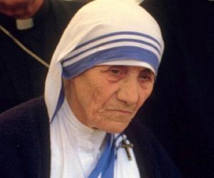 mother teresa biography childhood life achievements timeline mother teresa mother teresa