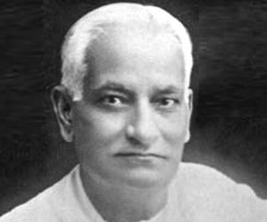 Motilal Nehru<