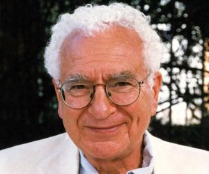 Murray Gell-Mann<