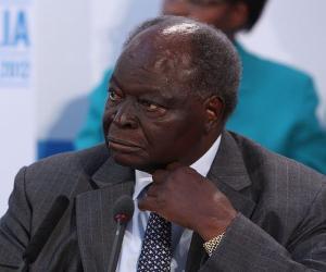 Mwai Kibaki<