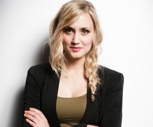 Naomi Kyle Biography Facts Childhood Career & Amp Personal