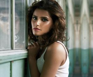Nelly Furtado<