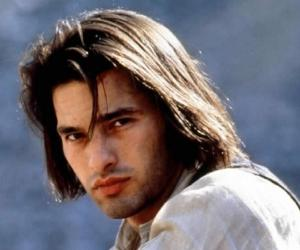 Olivier Martinez Young