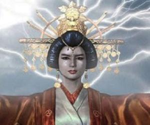 Queen Himiko<