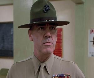 R. Lee Ermey biography online
