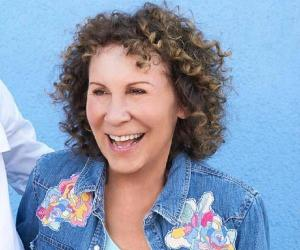 Rhea Perlman<