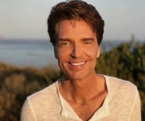biography of richard marx Richard marx biography - affair, married, wife, ethnicity, nationality, salary, net worth, height | who is richard marx richard marx is an american adult contemporary and pop/rock singer, songwriter, musician and record producer.