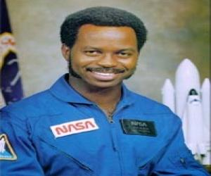 famous astronaut mcnair - photo #7